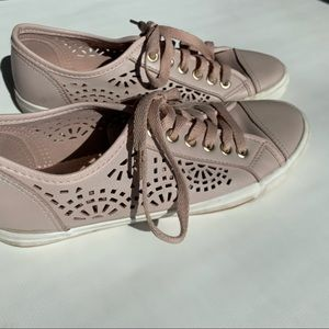 Nude pink shoes